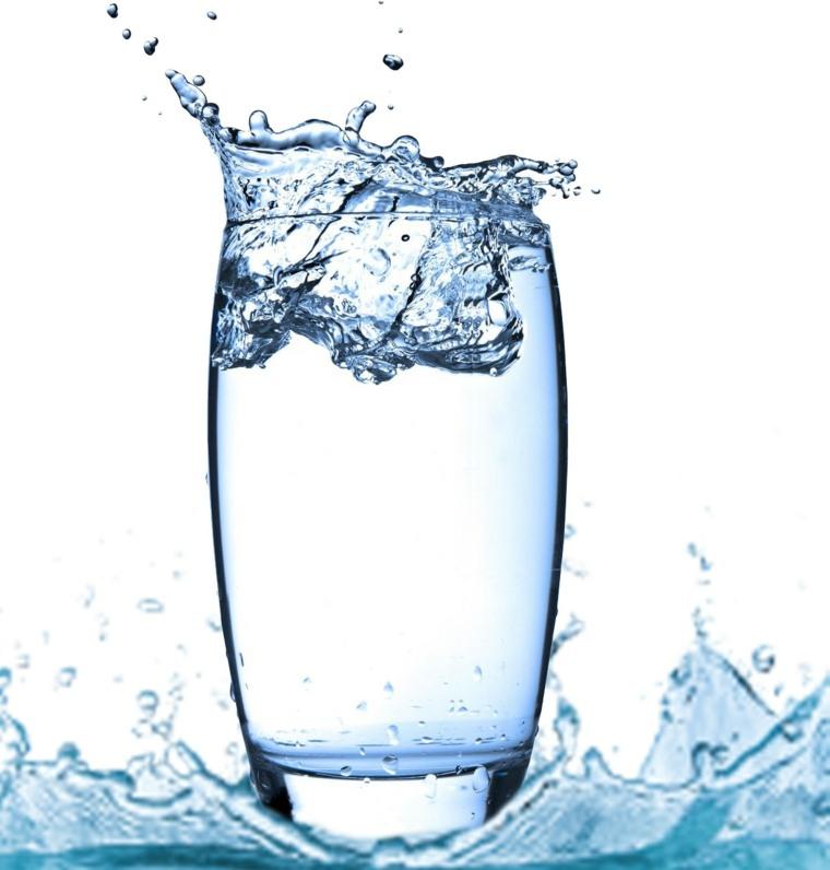 Beneficios de tomar agua-consejos-hielo