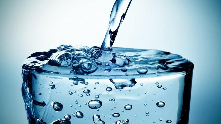 beneficios-de-tomar-agua-consejos