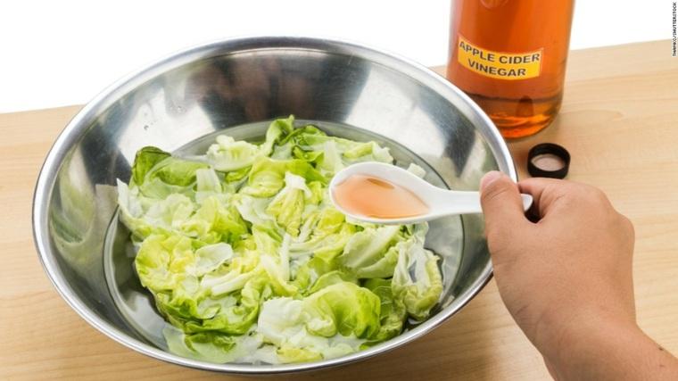 beneficios del vinagre de manzana-ensaladas