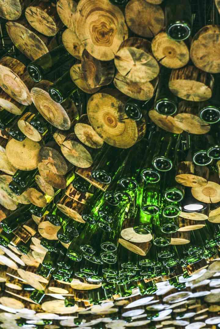 botellas-combinadas-madera-cristal