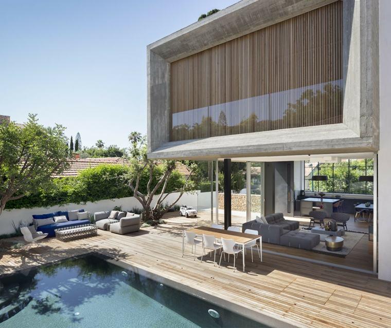 casa-jardin-amplio-piscina