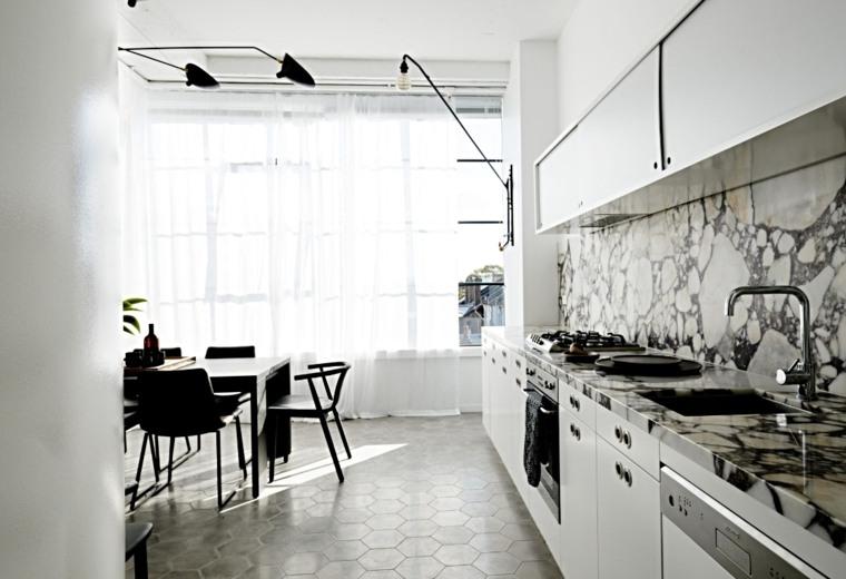 cocina-diseno-lineal-salpicadero-marmol
