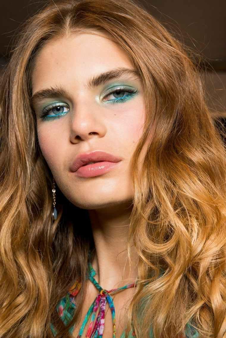 color-verde-azul-opciones-maquillaje-2018