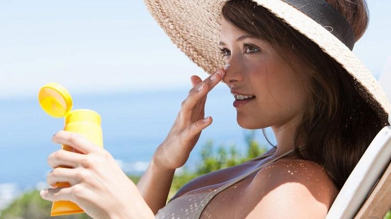 cómo cuidar la piel-ideas-protector-solar-consejos.