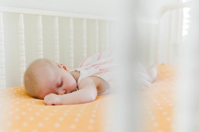 como-dormir-pequeno-bebe