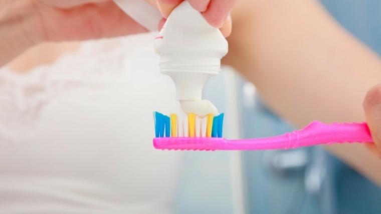 como-lavarse-los-dientes