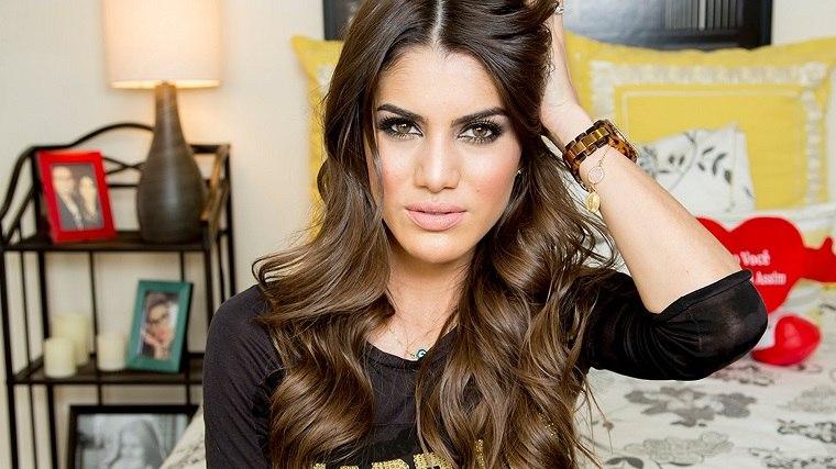 consejos-de-belleza-Camila-Coelho-maquillaje-verano