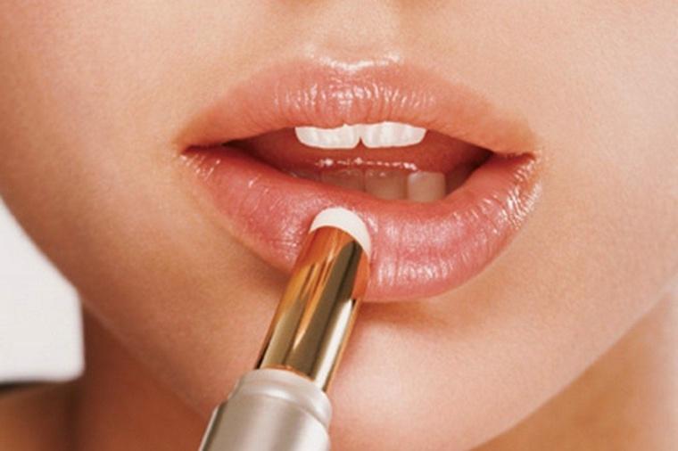 consejos de maquillaje-pintar-labios