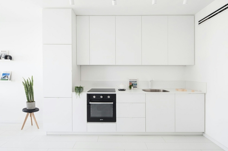 decoracion-para-cocinas-pequenas-blancas