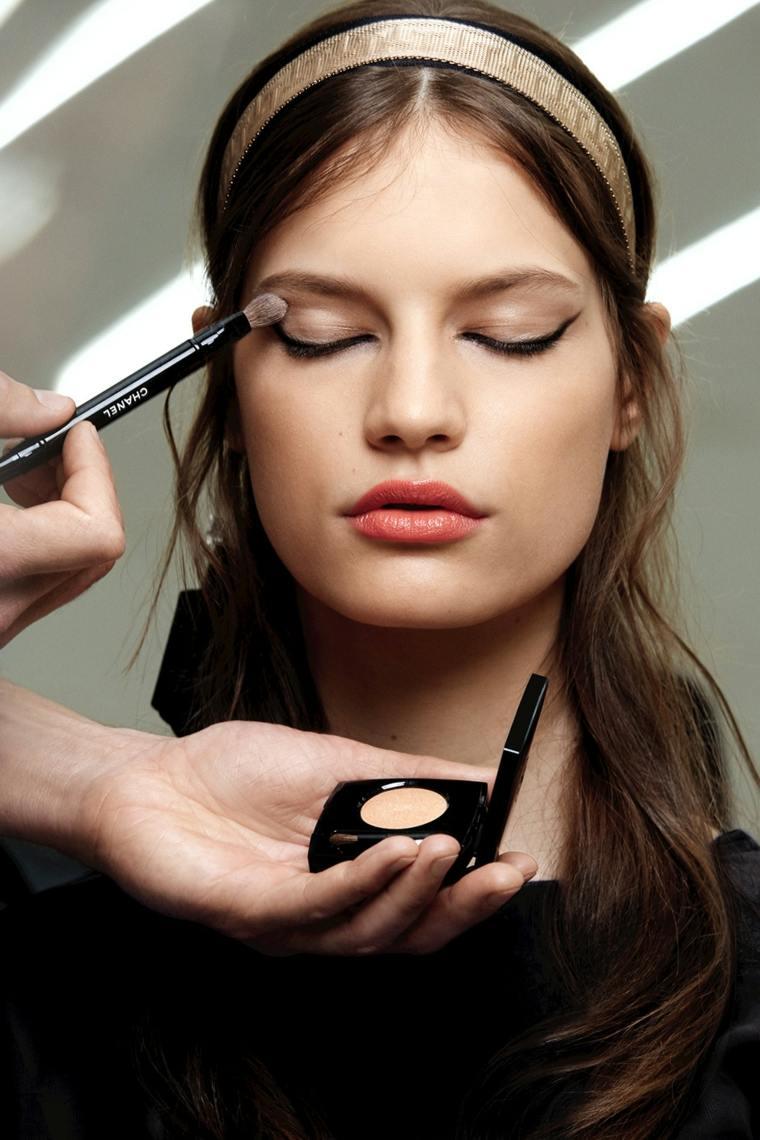 delineado-ojos-maquillaje-estilo