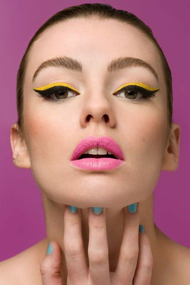 maquillaje de color amarillo