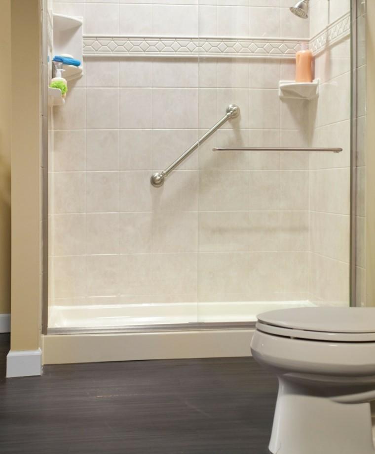 ducha con mamparas de vidrio