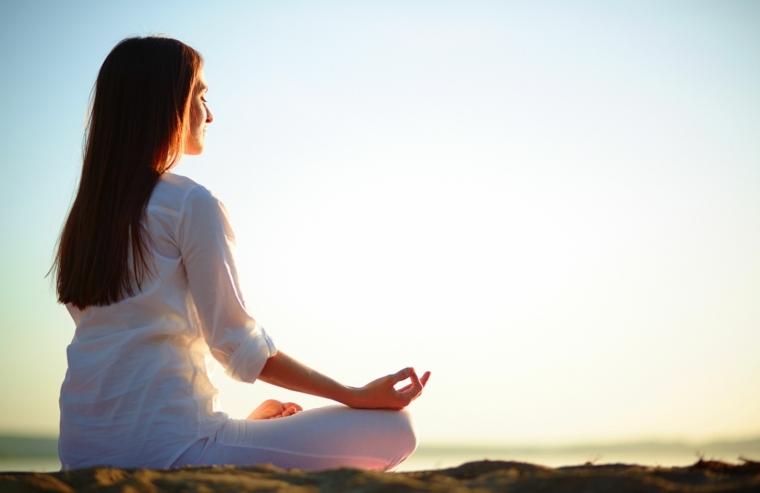 el yoga-descanso-meditacion-cuerpo