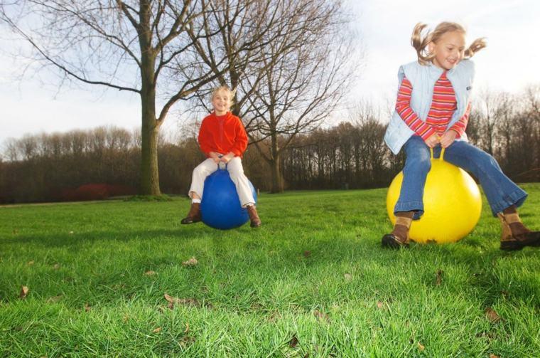 entretenimiento-para-ninos-cumpleanos-saltar-bolas