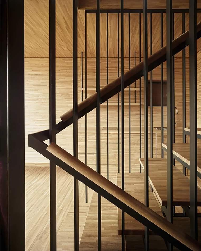 escaleras-entre-los-niveles