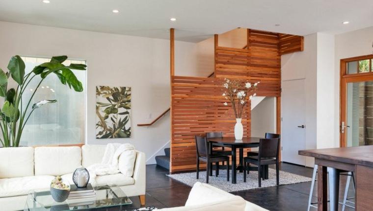 Pantalla de escalera de madera