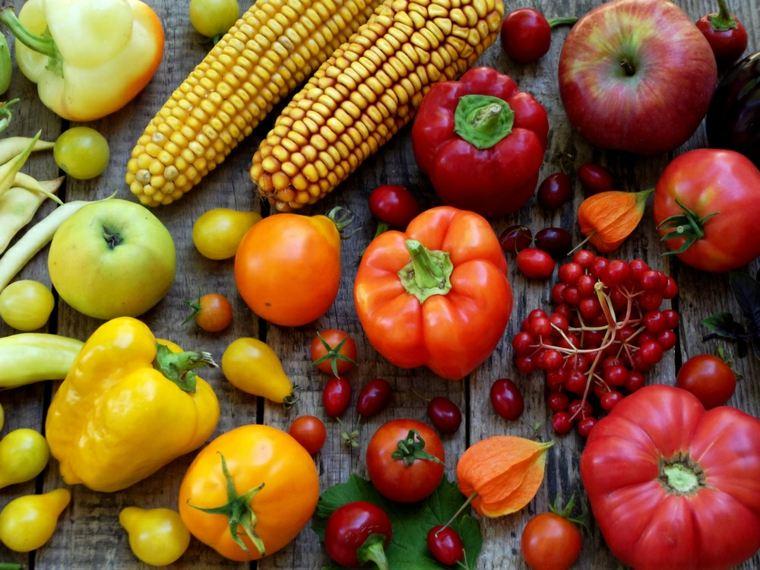 frutas y verduras rojo-naranja
