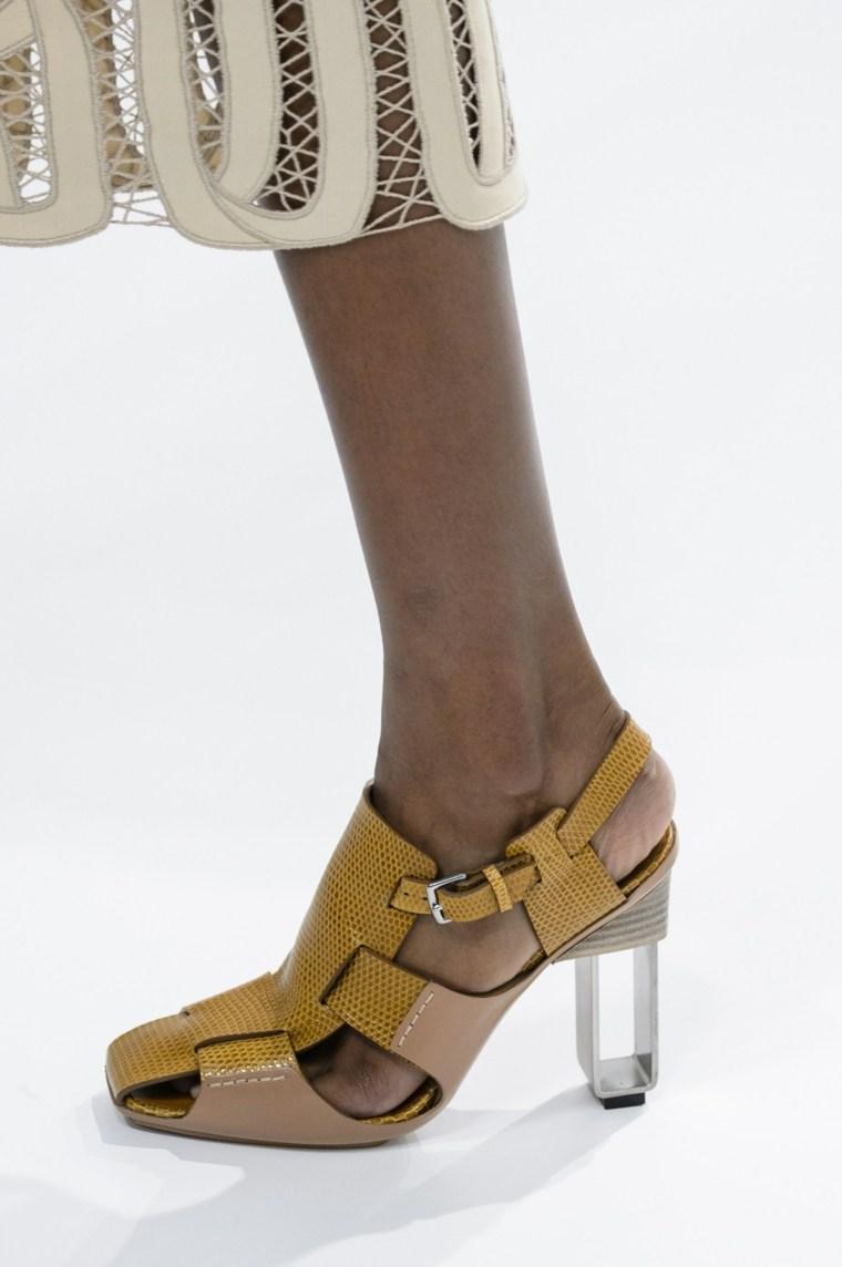 zapato piel sandalia