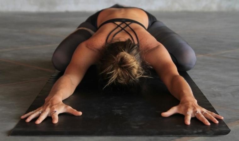 ejercicios de yoga para bajar peso