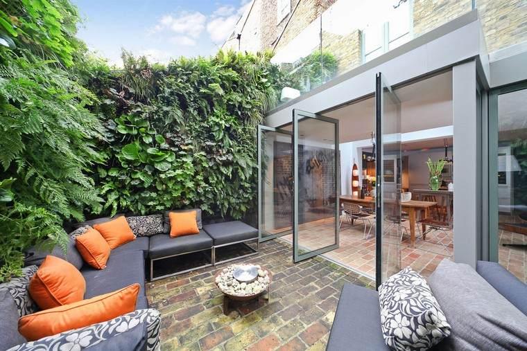 jardines-de-casas-ideas-sofa-forma-angular-espacio-reducido