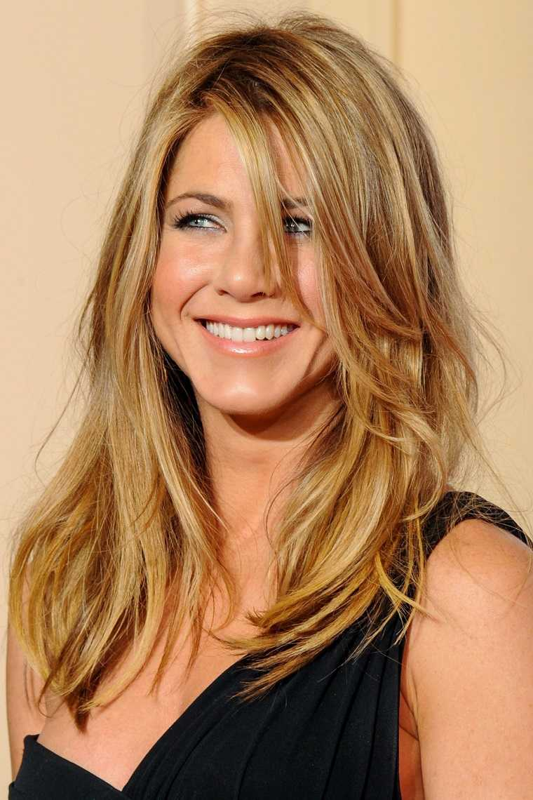 jennifer-anniston-corte-cabello-verano-estilo-color-miel