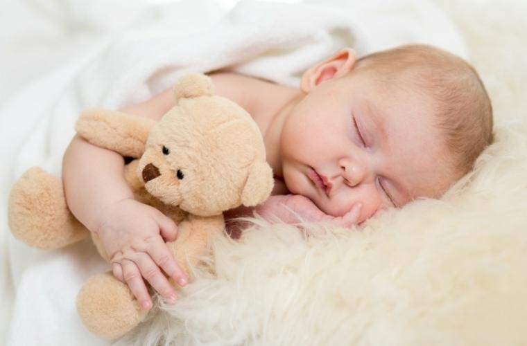 los bebés mitos-ideas-sueno-peluchE