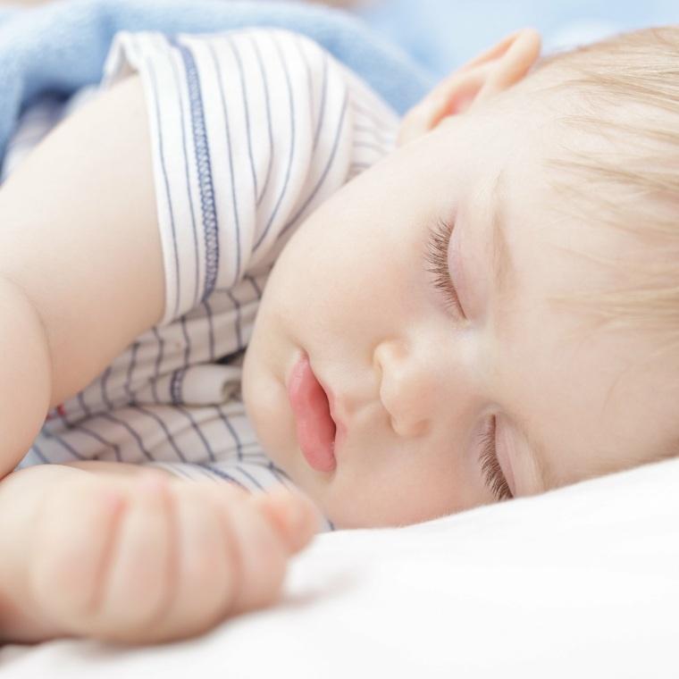 los bebés mitos-sueno-cuidado-bebe