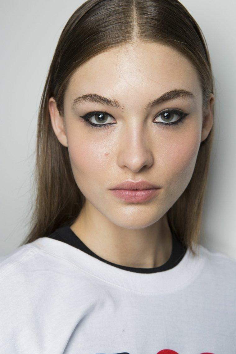 maquillaje-natural-lapiz-ojos-negro-opciones
