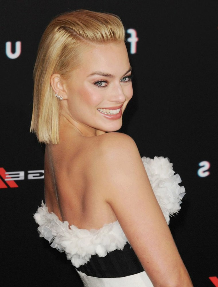 margot-robbie-bob-largo-colo-cabello-rubio