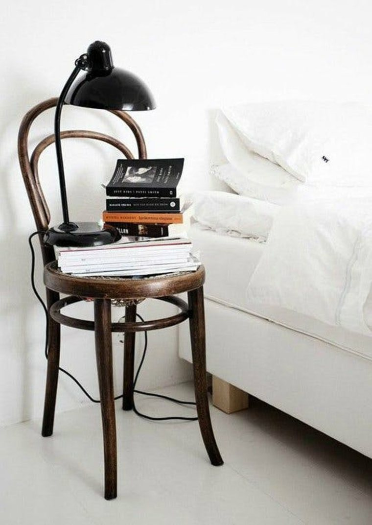 mesa-de-noche-silla-de-madera