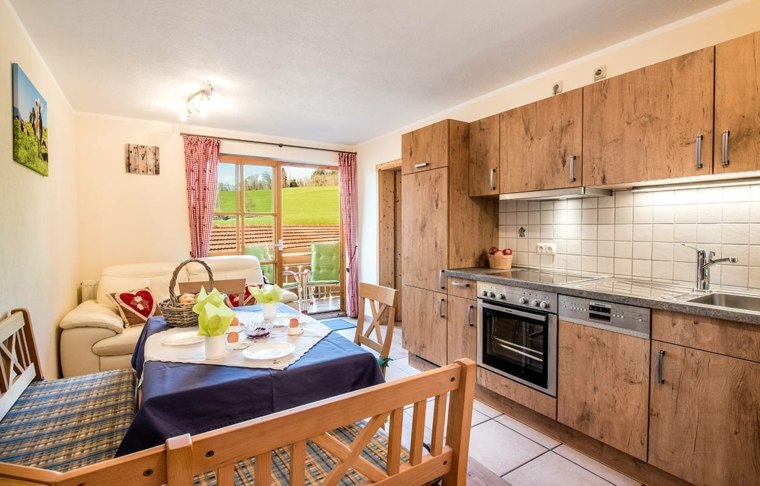muebles-madera-natural-diseno-casa-pequena