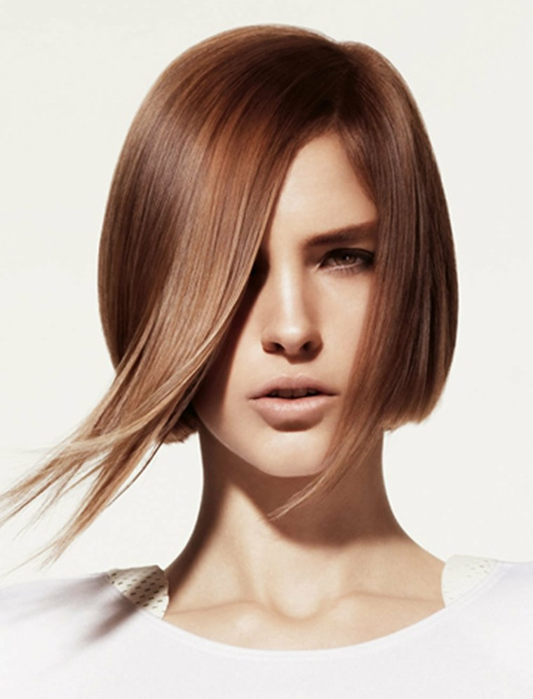 peinados-moda-cabello-liso-corte-moderno