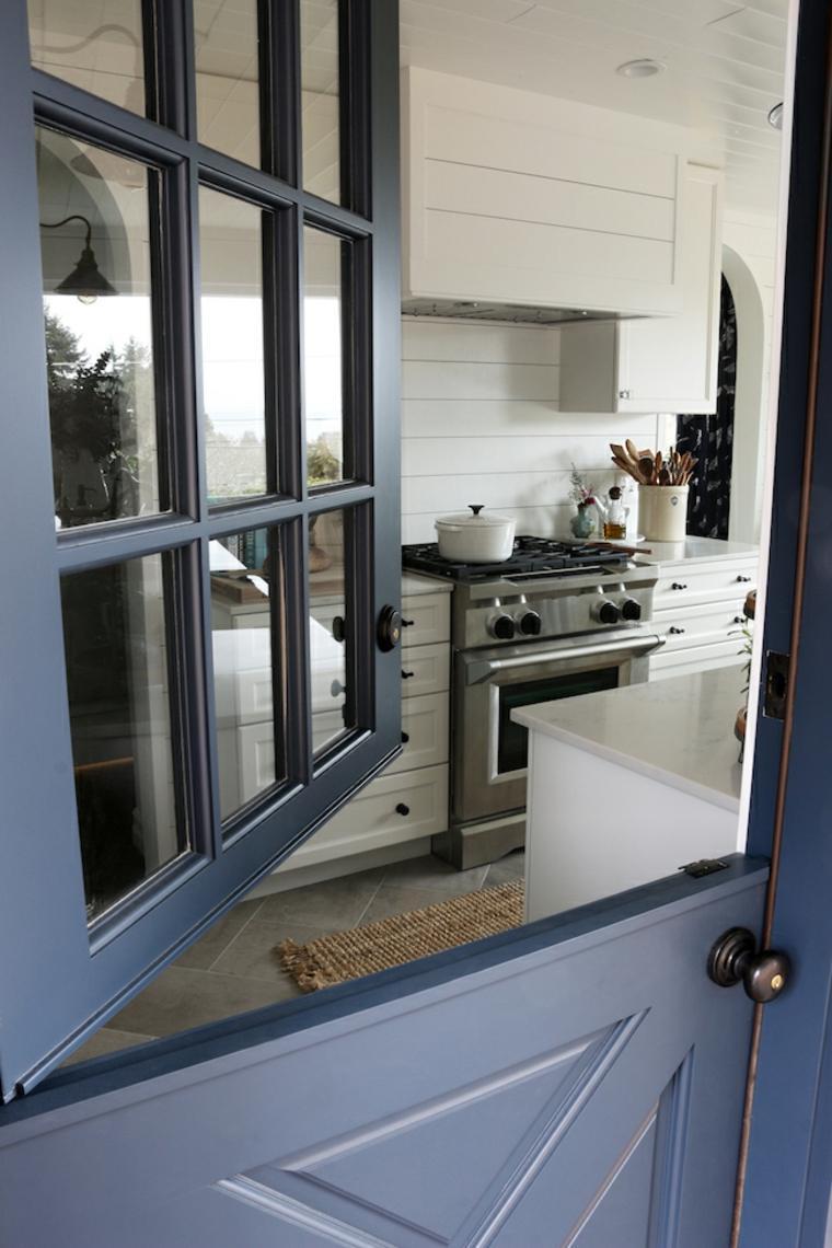 puerta holandesa color azul