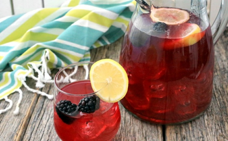 recetas de bebidas-limonada-mora