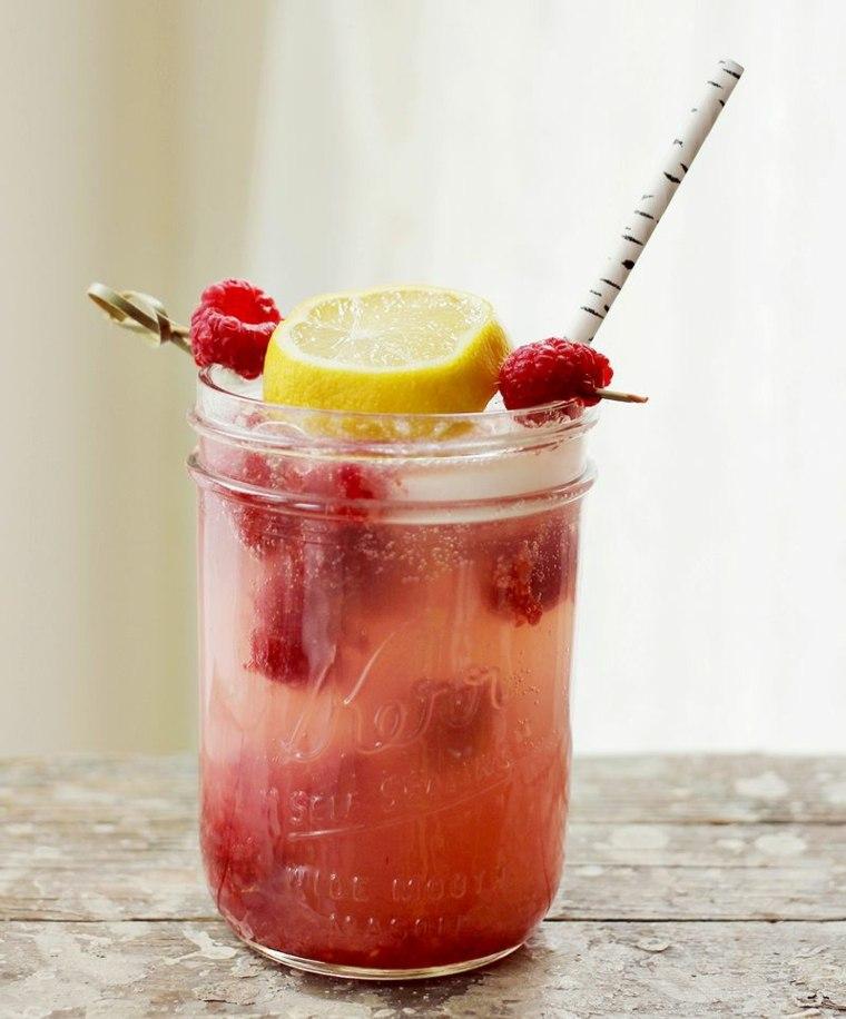 recetas de bebidas-naturales-limonada-mora