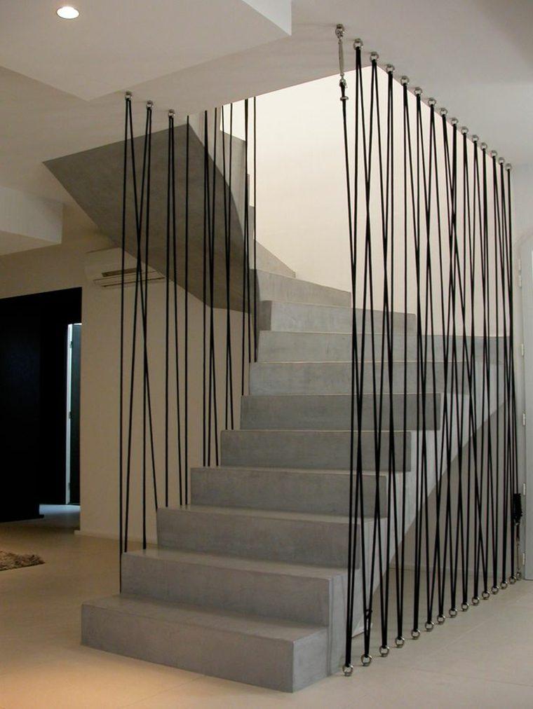 Protector de escalera decorativo con cordones