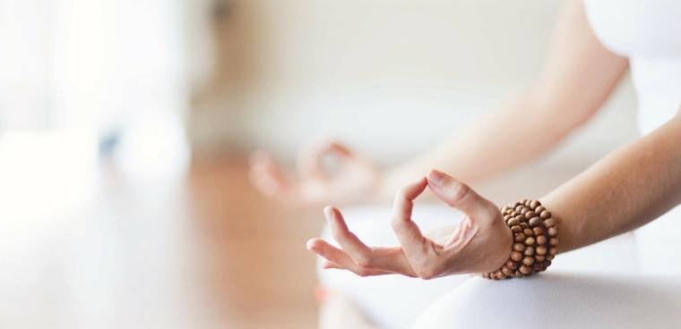 yoga terapeutico-ayuda-salud