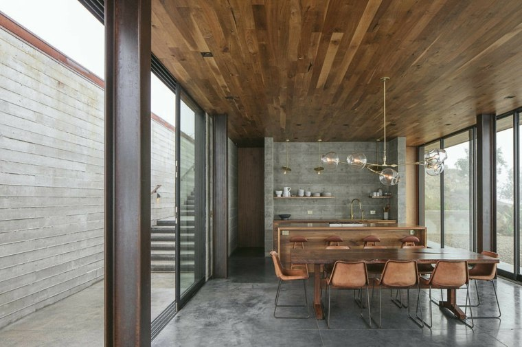 comedor Off-Grid Guest House