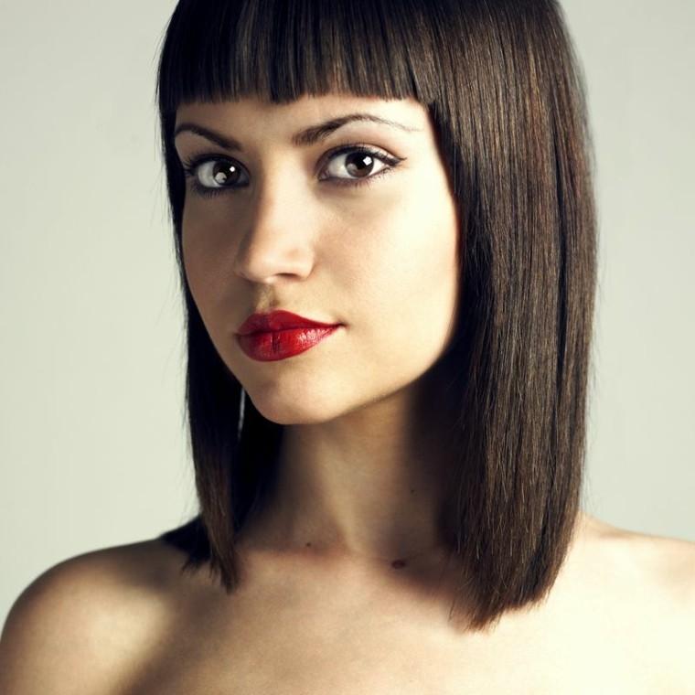 cortes de pelo para mujer-flequillo-corto