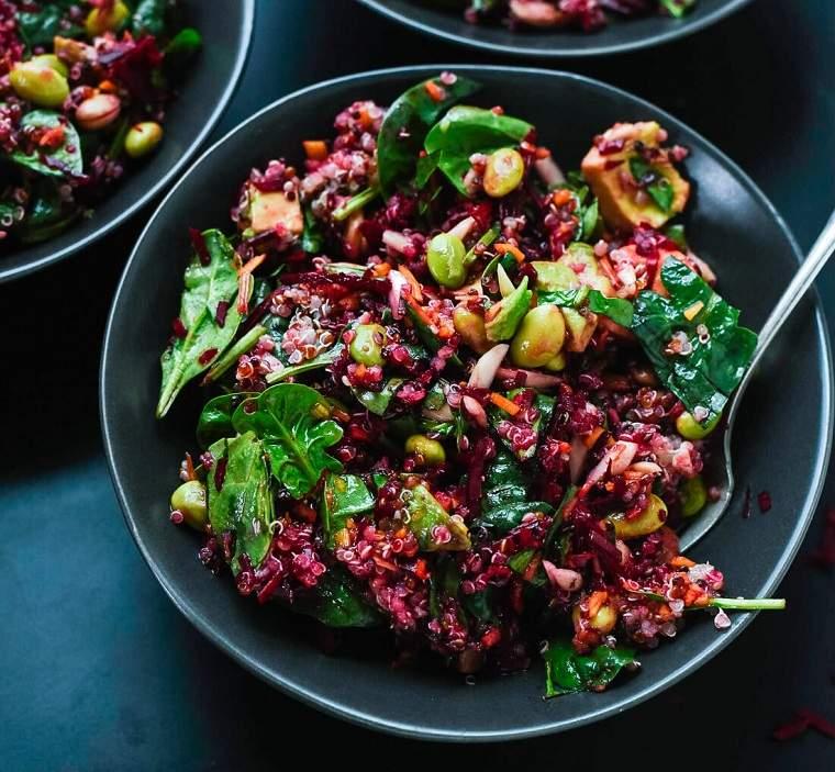 ensalada-quinoa-remolacha-zanahoria-recetas