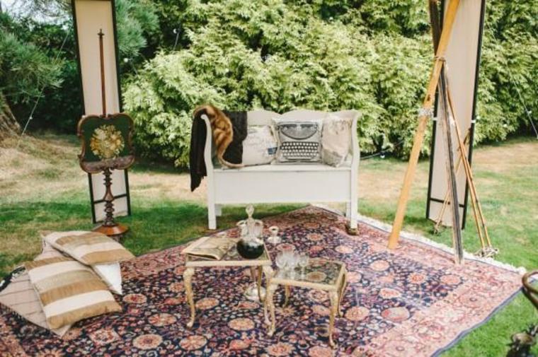 Sala de estar vintage al aire libre