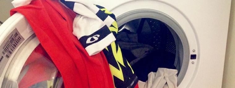 lavadora-llena-de-ropa
