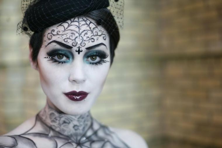 maquillaje de muneca-bruja-halloween
