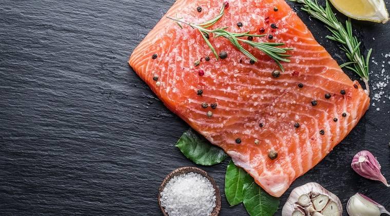 maternidad-lactancia-comidas-pescado-salmon
