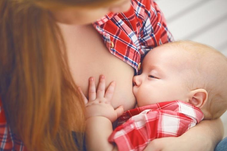 operacion de senos-bebe