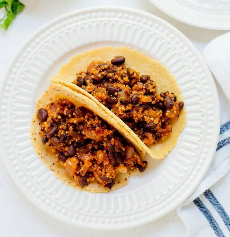recetas-con-quinoa-tacos-aguacate-ideas-judias