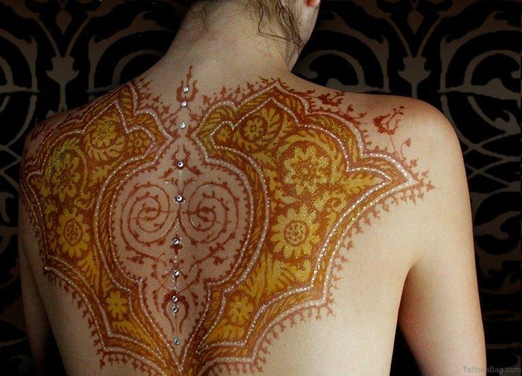 tatuaje-de-henna-espalda