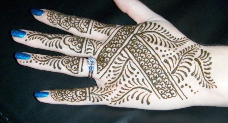 tatuaje-de-henna-mano