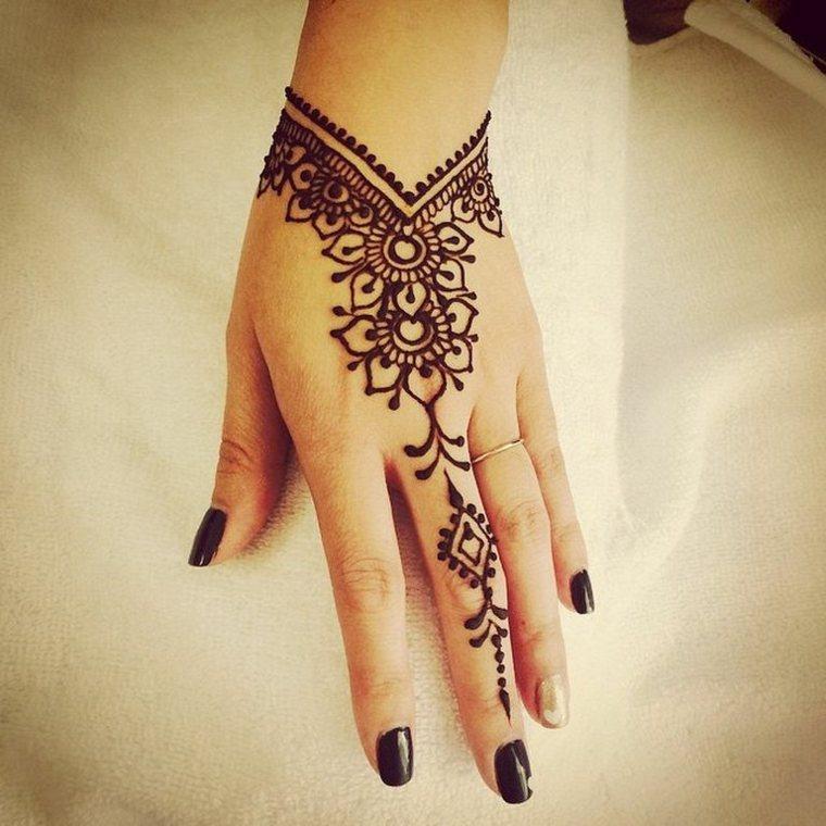tatuaje-de-henna-simple
