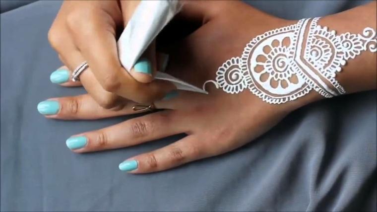 tatuajes-de-henna-blancos